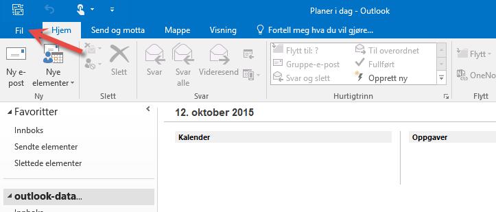 Velg Fil oppe i Outlook menyen